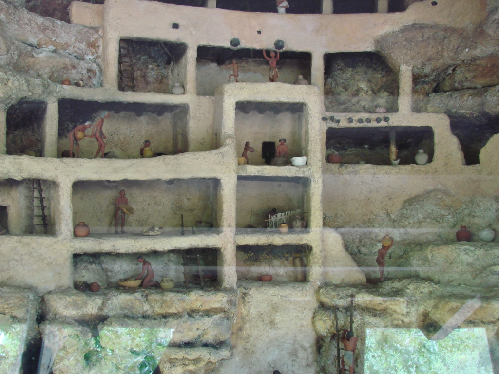 diorama depicting the inside of the cliff dwelling