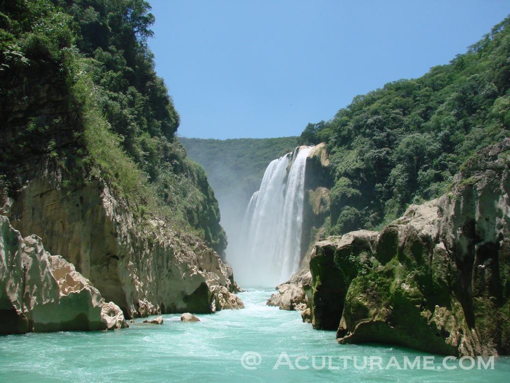 Cascada de Tamul in Aquismon