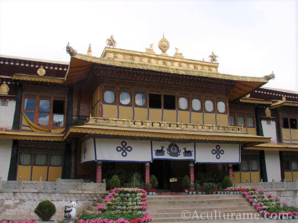 Norbulingka – The Serenity of the Jeweled Garden